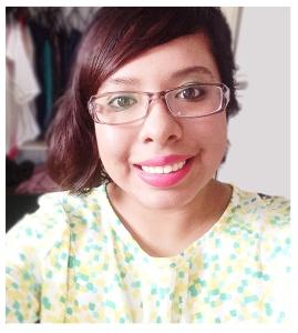Mujer apasionada al color, Blogger Regia